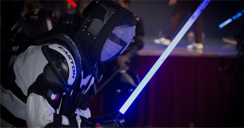 Lightsaber กีฬาฟันดาบเรืองแสงจาก สตาร์ วอรส์ ที่ช่วยปลุกอัศวินเจไดให้มีชีวิตจริง
