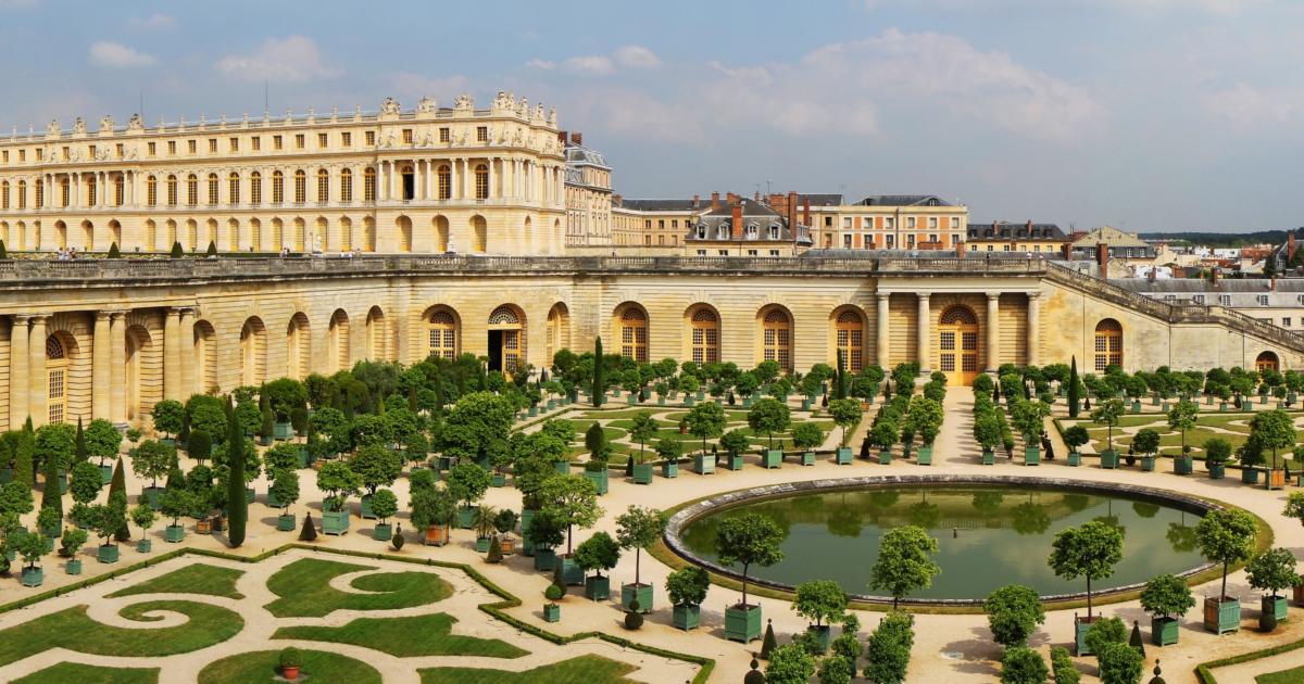 พระราชวังแวร์ซาย เปิดแมนชั่นส่วนตัวของขุนนางในสมัยพระเจ้าหลุยส์ที่ 14 เป็นโรงแรมหรู