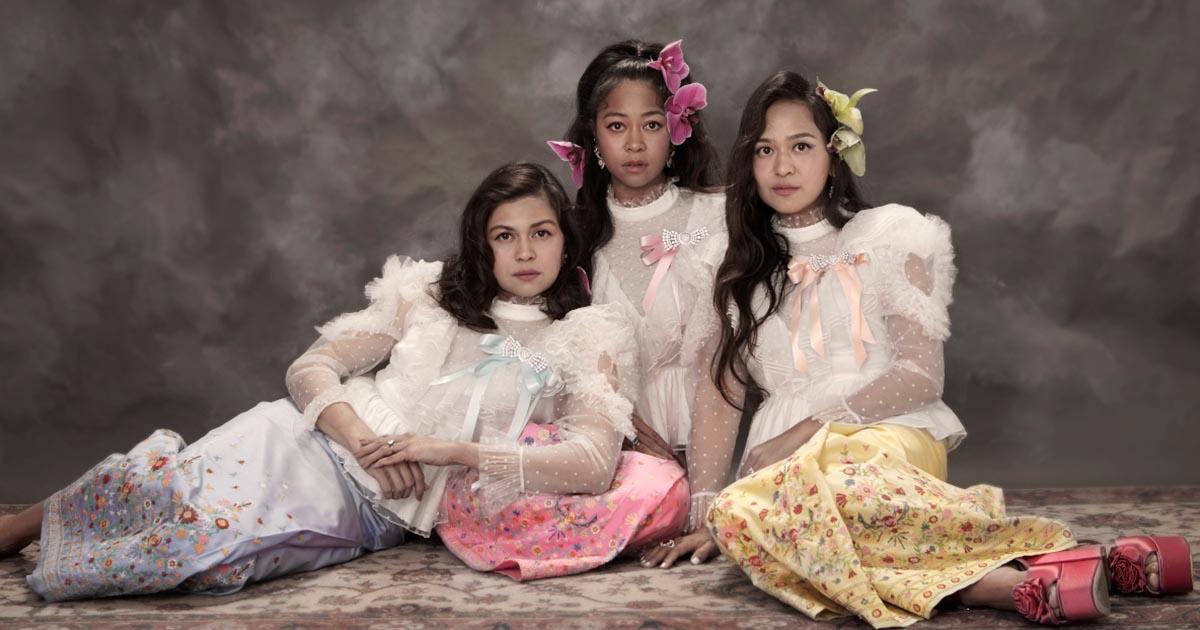 """""""สวัสดีวันแม่"""" คอลเลกชันชุดไทย แรงบันดาลใจจากชุดประจำชาติ โดย Sretsis"""
