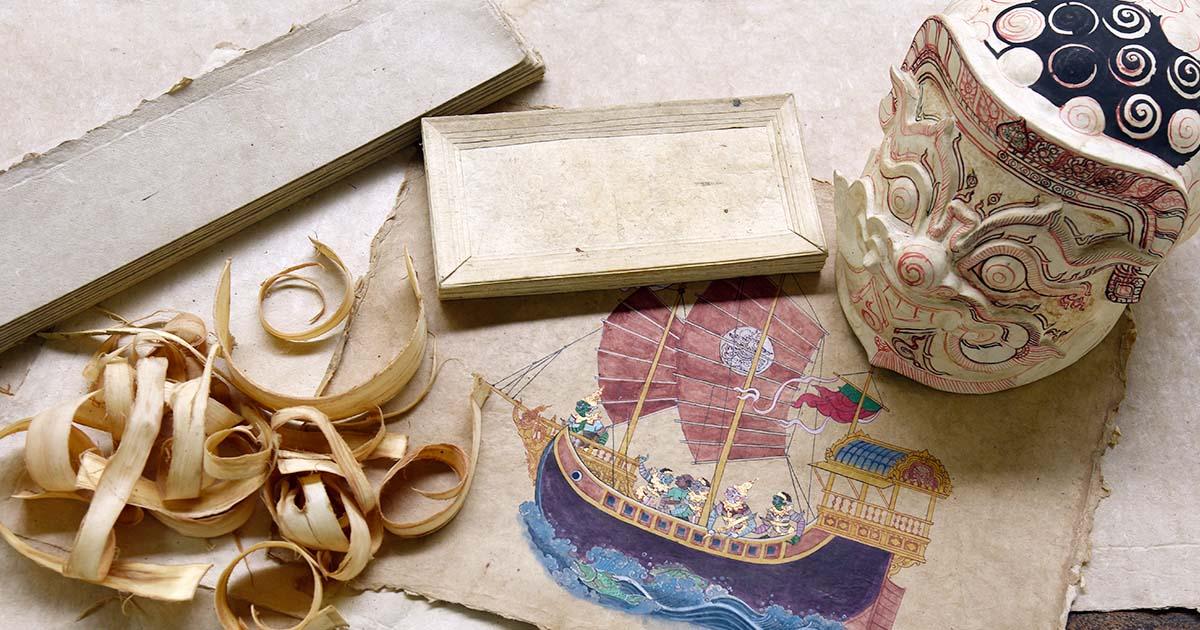 """ย้อนรอยจดหมายเหตุลาลูแบร์ สู่โรง กระดาษข่อยโบราณ หนึ่งเดียวในไทยที่ """"สีบัวทอง"""""""