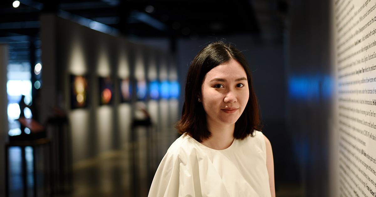 Curator 101 : พอใจ อัครธนกุล ภัณฑารักษ์รุ่นใหม่ผู้หลงใหลในศิลปะร่วมสมัย