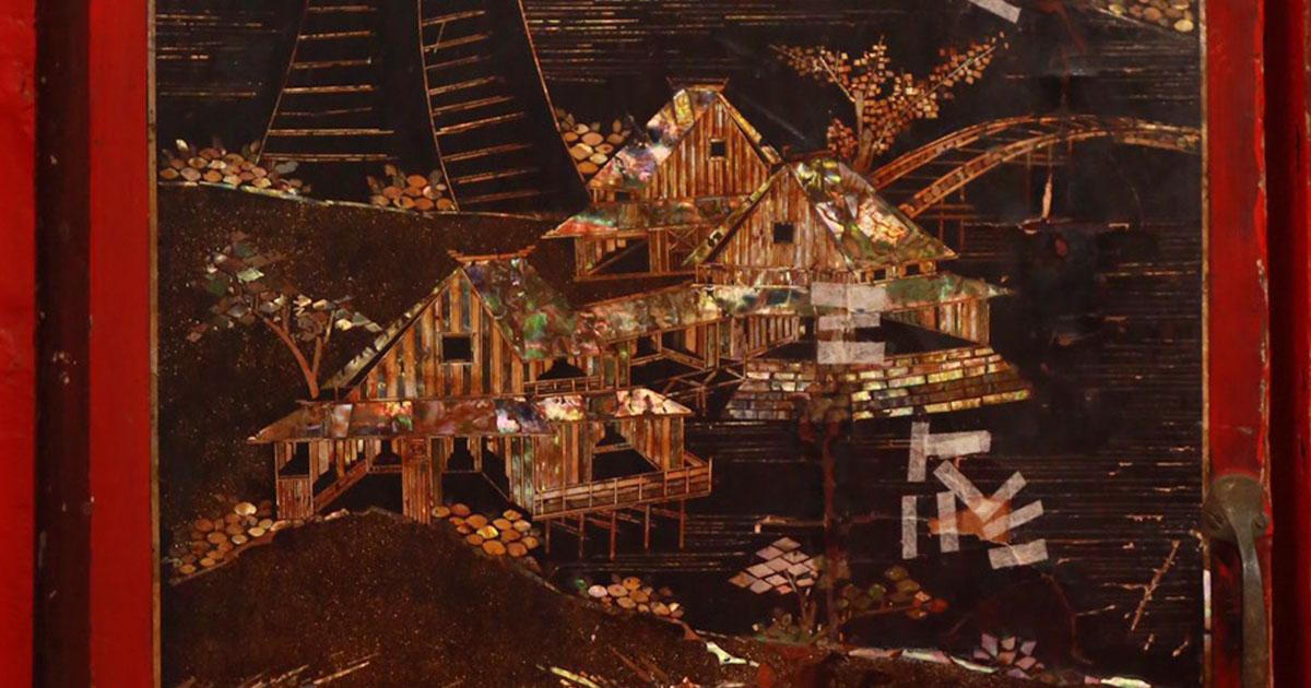 เตรียมซ่อม บานไม้ประดับมุกศิลปะญี่ปุ่น อายุกว่า 156 ปี ในวิหารหลวง วัดราชประดิษฐ์